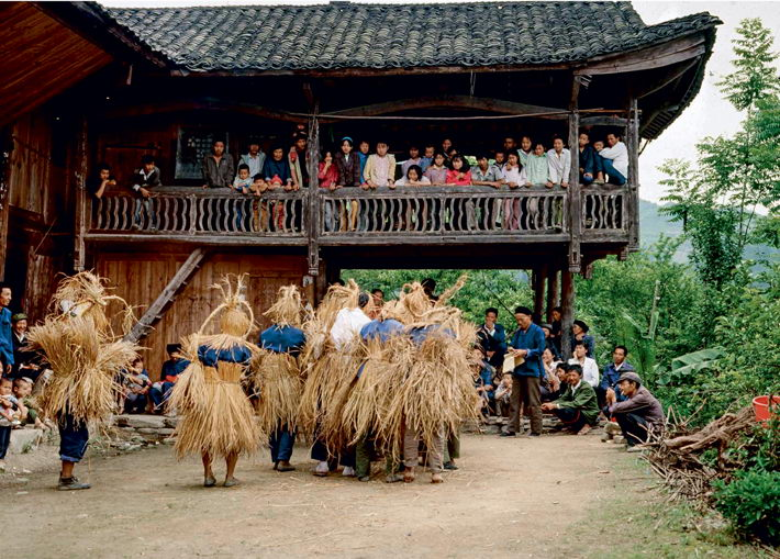 Maogusi Dance of the Tujia ethnic group from western Hunan Province.