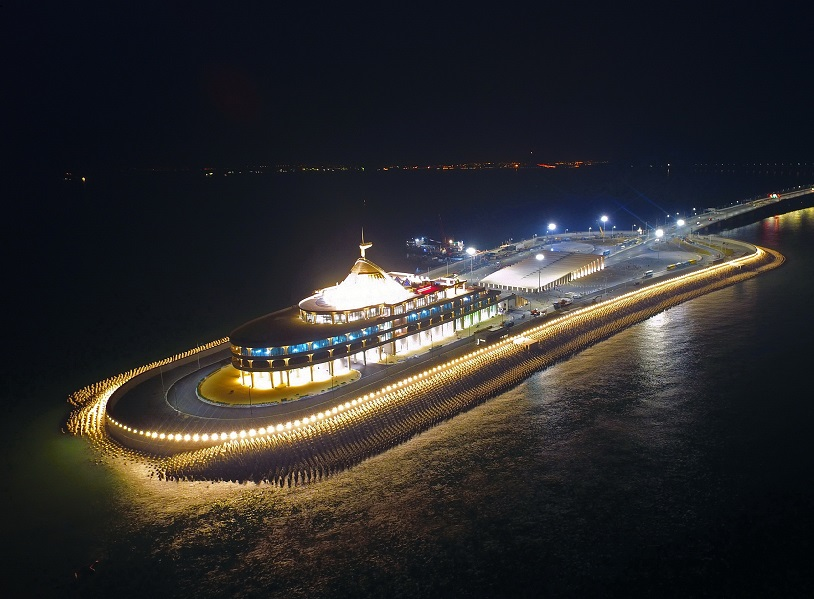 The eastern artificial island. Xinhua