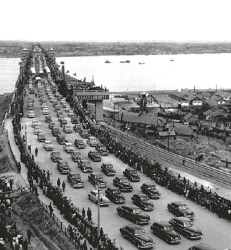 October 1957: The Wuhan Yangtze River Bridge opens to traffic. It is the first bridge to cross the Yangtze River. by Li Lanying and Li Jilu