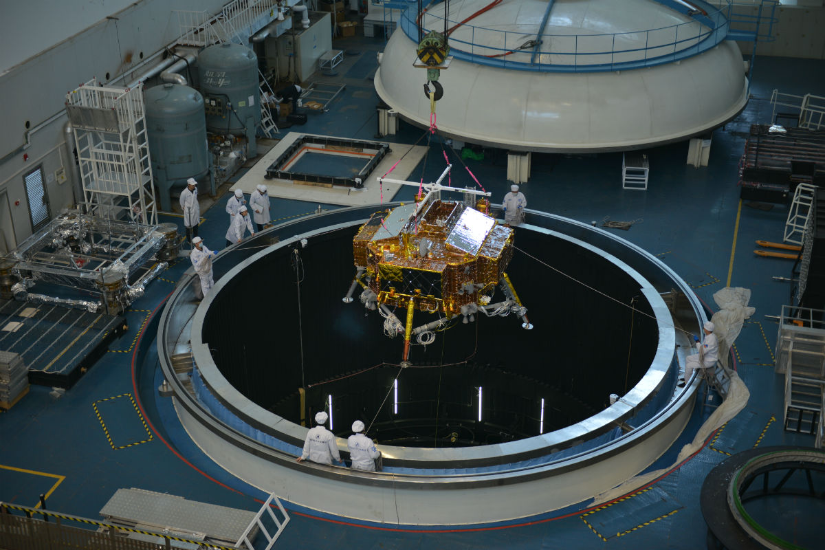 跨页 3 3 嫦娥四号着陆器热试验 公开